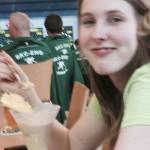 Stefanie schmeckt das Eis